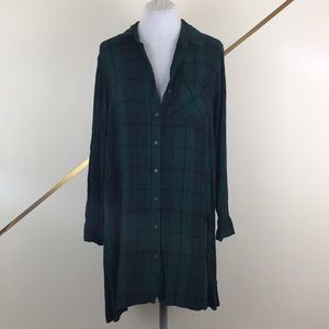 Old Navy Green Plaid Long Sleeve Button Down